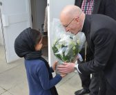 Ahmadiyya Noor mosque welcomes Bishop of Chichester for interfaith meeting